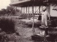 秋水書院前の地蔵尊